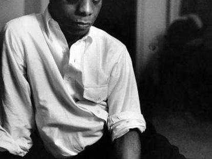 Retrato del escritor James Baldwin en 1963.