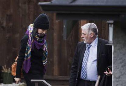 Meng, a la salida de su domicilio en Vancouver, a mediados de diciembre.