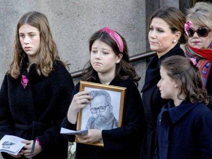 La princesa Marta Luisa de Noruega con sus tres hijas Maud Angelica, Leah Isadora y Emma Tallulah, en el funeral de Ari Behn, en Oslo, el 3 de enero.