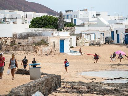 Una playa de la isla de La Graciosa, este verano.