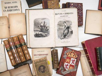 Parte de la biblioteca de Lluís Companys, en la que se encuentran 'Le comte de Monte-Cristo', de Dumas; 'Novelas españolas', 'Cadaqués', de Josep Pla, y las obras completas de Lope de Vega.