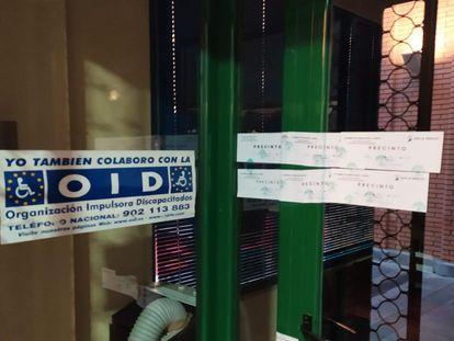 Sede de la OID clausurada y precintada por la Policía, en Linares (Jaén).