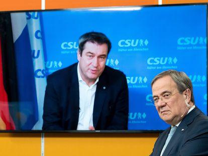 El presidente de Baviera, Markus Söder, aparece en la imagen de la pantalla mientras habla con Armin Laschet, líder de la CDU, durante un encuentro virtual en enero pasado.