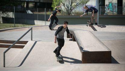 Tres patinadores en Baró de Viver