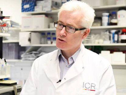 El oncólogo británico Kevin Harrington, director del ensayo clínico.