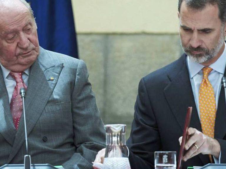 Juan Carlos I y Felipe VI, en una imagen de archivo.