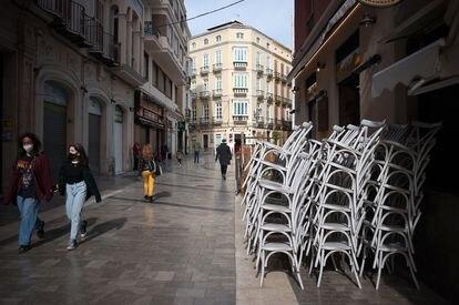 La plaza de Uncibay en Málaga, vacía en medio del confinamiento parcial, el 3 de febrero de 2021.
