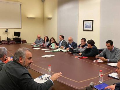 Firma del acuerdo entre los sindicatos de Mossos y el Departamento de Interior