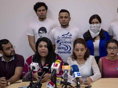 Miembros de la coalición universitaria y de la Alianza Cívica.