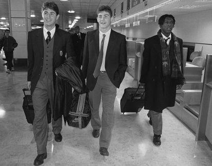 Víctor, Casillas (entonces, Todavía portero del equipo juvenil) y Seedorf, en el aeropuerto de Barajas antes de salir hacia Noruega para enfrentarse al Rosenborg en partido de Liga de Campeones, el 25 de noviembre de 1997.