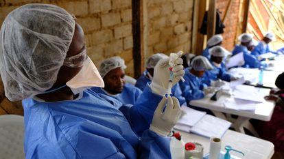 El equipo de vacunación de MSF en Kanzulinzuli, República Democrática del Congo.