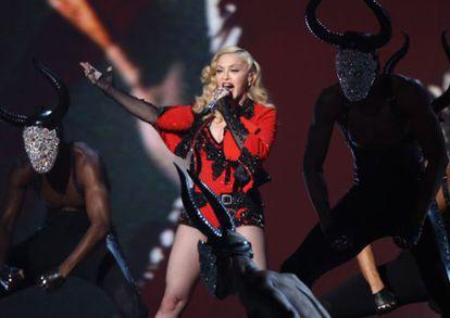 Madonna, durante su actuación en los Grammy.
