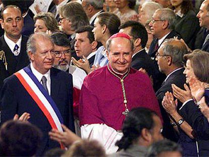 El presidente de Chile, junto al arzobispo de Santiago, Francisco Errazuriz.