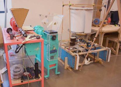 Picadoras de plástico de Precious Plastic y una vela helicoidal