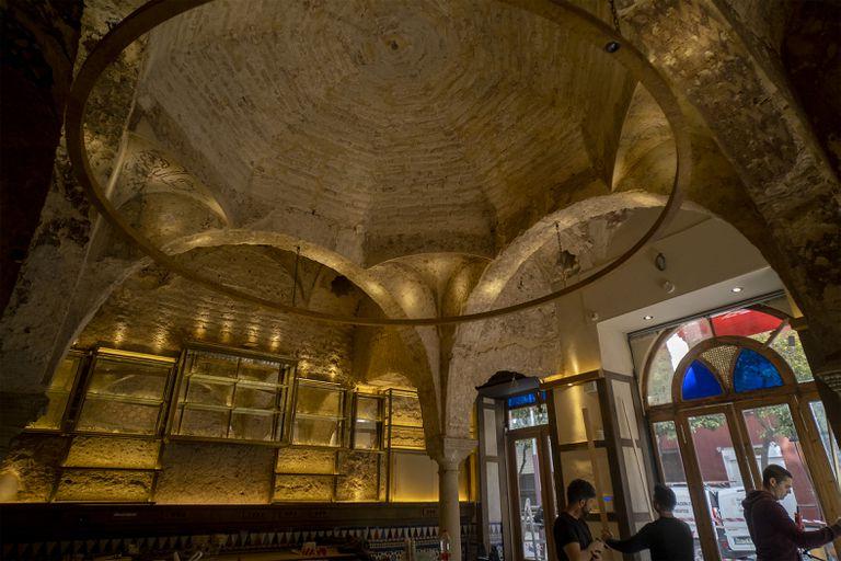 Baños árabes descubiertos en las obras de la cervecería Giralda, en Sevilla.