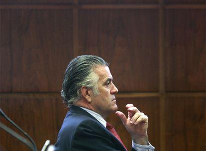 Luis Bárcenas, tesorero nacional del PP y senador, en una sesión de la Cámara alta.