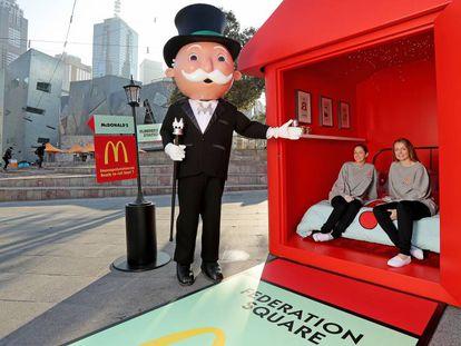 Promoción del regreso del juego del Monopoly de McDonald's en Melbourne, Australia, en 2016. En vídeo, el tráiler del documental.