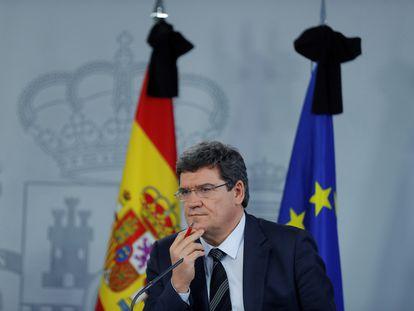 El ministro de Inclusión, Seguridad Social y Migraciones, José Luis Escrivá, en una rueda de prensa