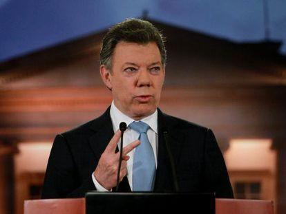 El presidente de Colombia, Juan Manuel Santos, pronuncia una declaración sobre el proceso de negociación con las FARC.