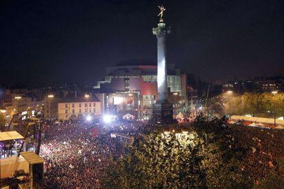 Lleno en la Bastilla durante la celebración de la victoria de Hollande.