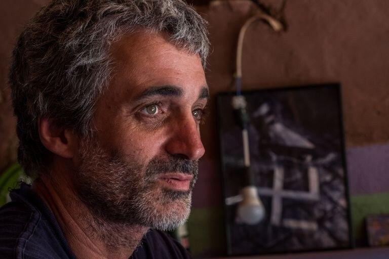 Didac Costa es un sociólogo, activista y escritor catalán, que ha fundado Ecovila Amat, una ecoaldea en construcción. Pinche en la imagen para ver la fotogalería completa.