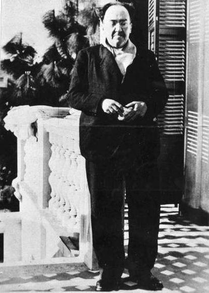 Antonio Machado, en la terraza de Villa Amparo, casa en la localidad valenciana de Rocafort.