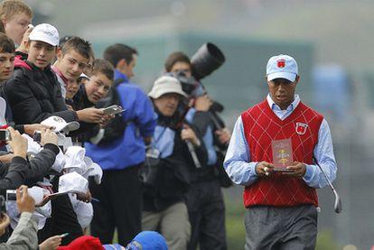 El golfista Tiger Woods durante un torneo en la ciudad de Newport.