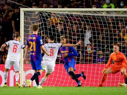 Segundo gol de Lewandowski, tercero del Bayern.