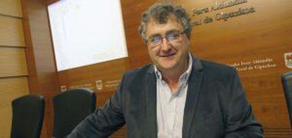 El diputado de Medio Ambiente guipuzcoano, Juan Carlos Alduntzin, en la rueda de prensa.