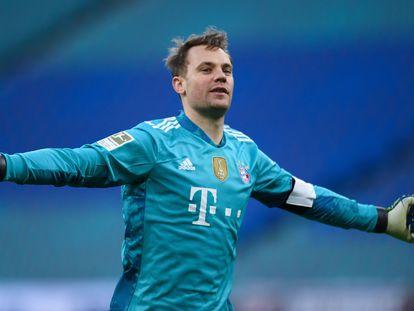 Neuer celebra el 0-1.