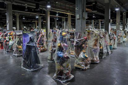 Los 'nitos' de fallas almacenados en la Feria de Muestras de Valencia.