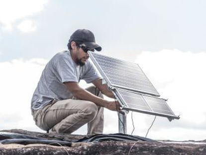 Una iniciativa en Argentina brinda una solución sustentable para las personas que no cuentan con servicios básicos de electricidad, ayudando a que muchas familias rurales tengan acceso por primera vez