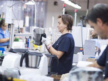 Cadena de montaje del robot de cocina Mycook de la marca Taurus.