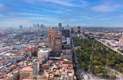 Vistas del mirador de la Torre Latinoamericana en el centro de Ciudad de México.