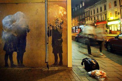 Obra de Banksy machacada en Essex Road.