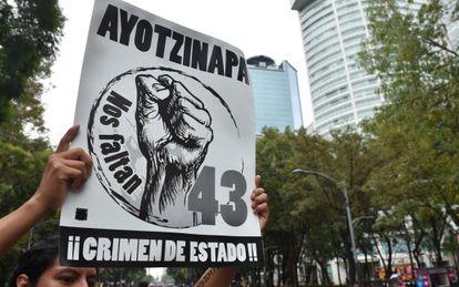 Manifestación en México en el aniversario de Iguala, el 26 de septiembre