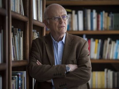 El académico mexicano Roger Bartra en su casa de Coyoacán, en Ciudad de México.