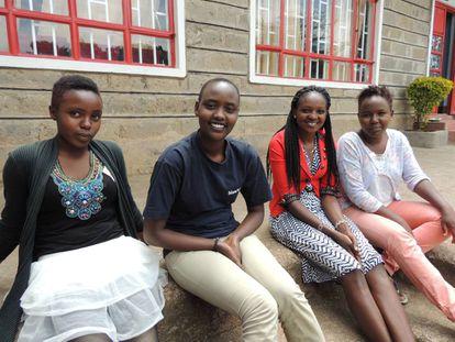 Desde la izquierda, Sylvia, Mercy, Rose y Peninah en Narok, en el Valle del Rift (Kenia).