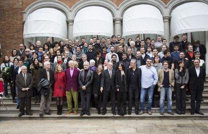 Los nominados a los Premios Gaudí reunidos ayer en el Palacete Albéniz para la foto de familia