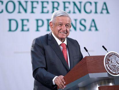 El presidente, Andrés Manuel Lopez Obrador, durante su rueda de prensa matutina de este lunes en el Palacio Nacional en Ciudad de México.