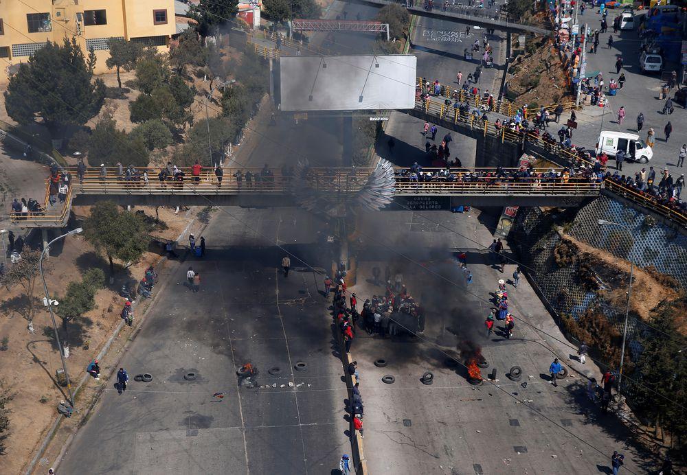 Choques entre grupos de opositores y simpatizantes del Gobierno agravan el conflicto boliviano