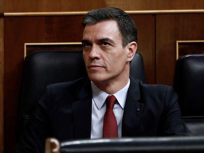 Pedro Sánchez, durante el pleno del Congreso para debatir la prórroga del estado de alarma, celebrado la tarde de este miércoles y la madrugada del jueves.