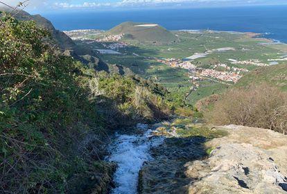 Cascada creada por los regantes de Lomo Morín en Tenerife.
