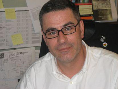 Manuel Fernández Cuesta, editor.
