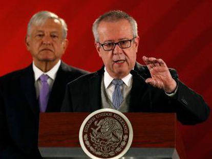El economista señala que se le han impuesto funcionarios ignorantes de las finanzas públicas de México