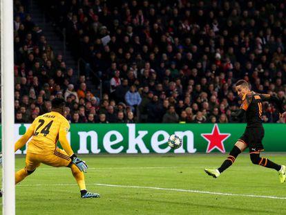 Rodrigo marca el 1-0.