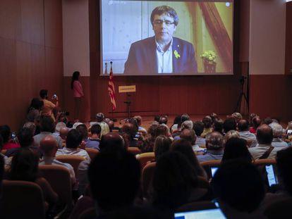 Carles Puigdemont durante la presentación de su partido ayer en Barcelona.