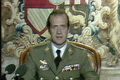 El rey Juan Carlos I se dirige a la nación en la madrugada del 24 de febrero de 1981.
