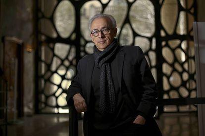 El neurólogo Antonio Damasio en La Pedrera, el edificio construido por Antoni Gaudí en Barcelona