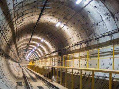 Túnel del Metro de Madrid. Algunos problemas en la construcción de la línea 7 han dejado en evidencia que no basta con construir la infraestructura; hay que hacerlo bien y mantenerla para durar.
